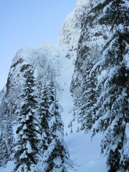 Photo linked from cascadeclimbers.com
